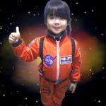 宇宙スーツで…